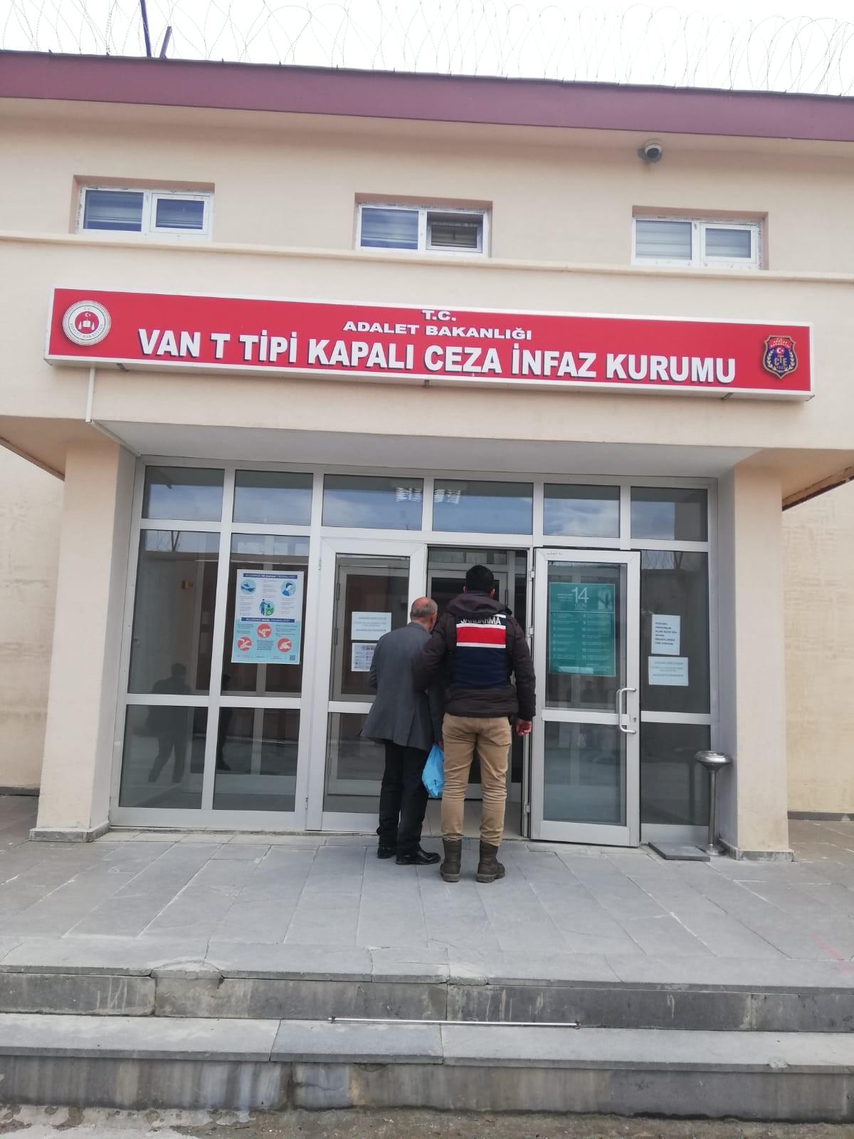 9 yıllık cezaevi firarisi, tüneli takip eden jandarma ekiplerince yakalandı
