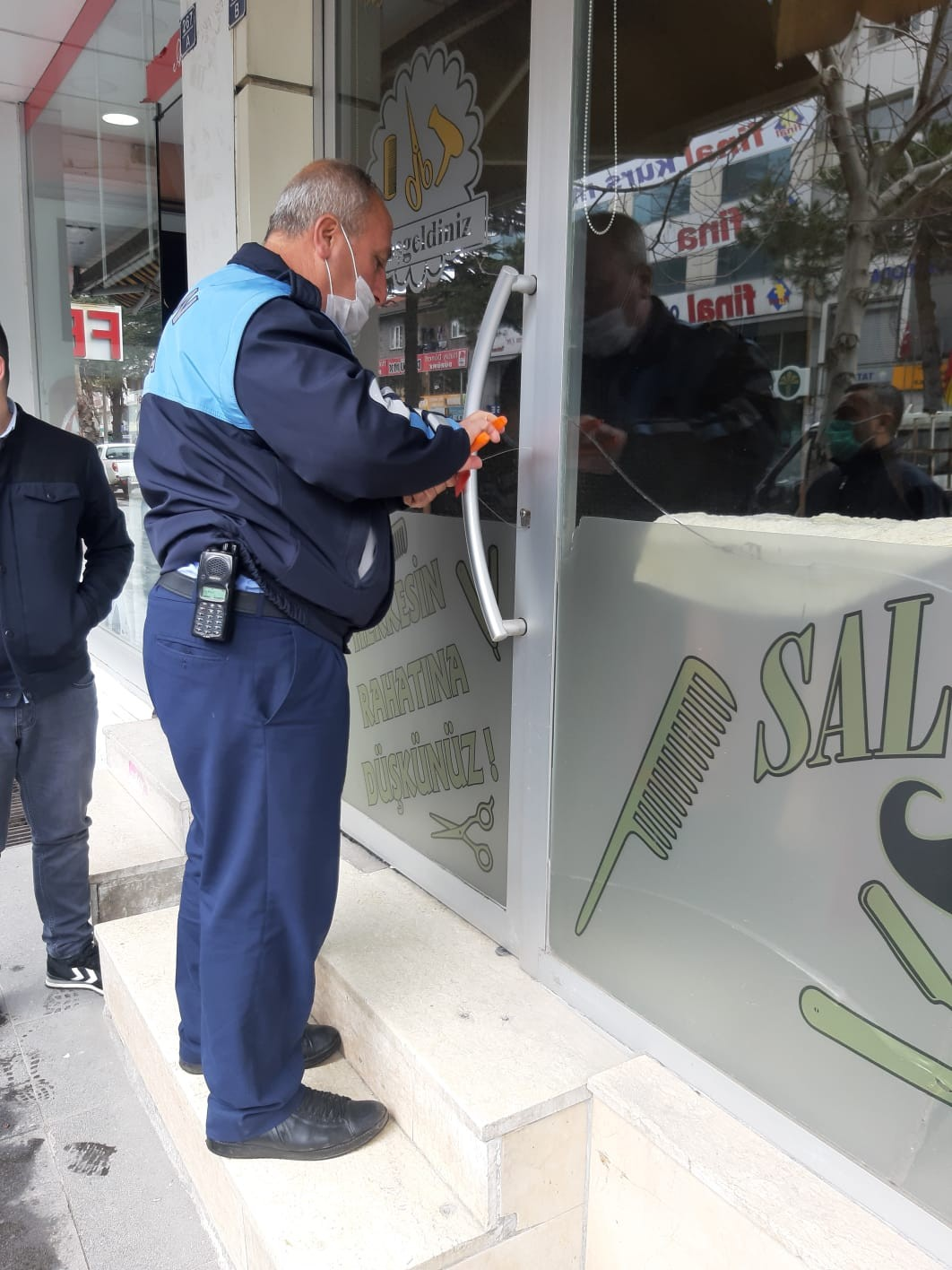 Tatvan'da kurallara uymayan iş yerleri mühürlendi