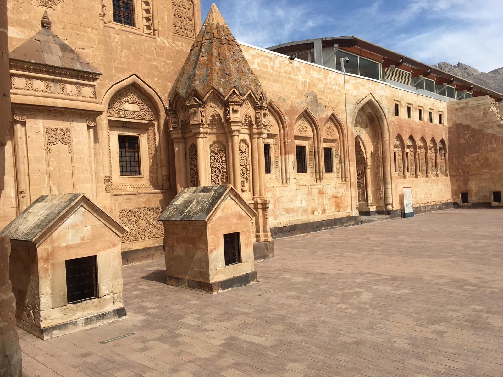 Tarihi İshak Paşa Sarayı