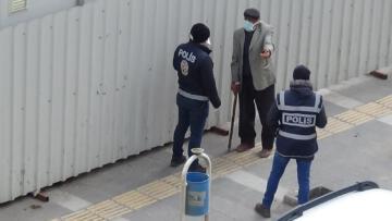 Kars'ta sokağa çıkma yasağını ihlal edenlere ceza kesildi