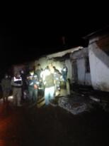 Yıkılan evin altında kalan kadın hayatını kaybetti