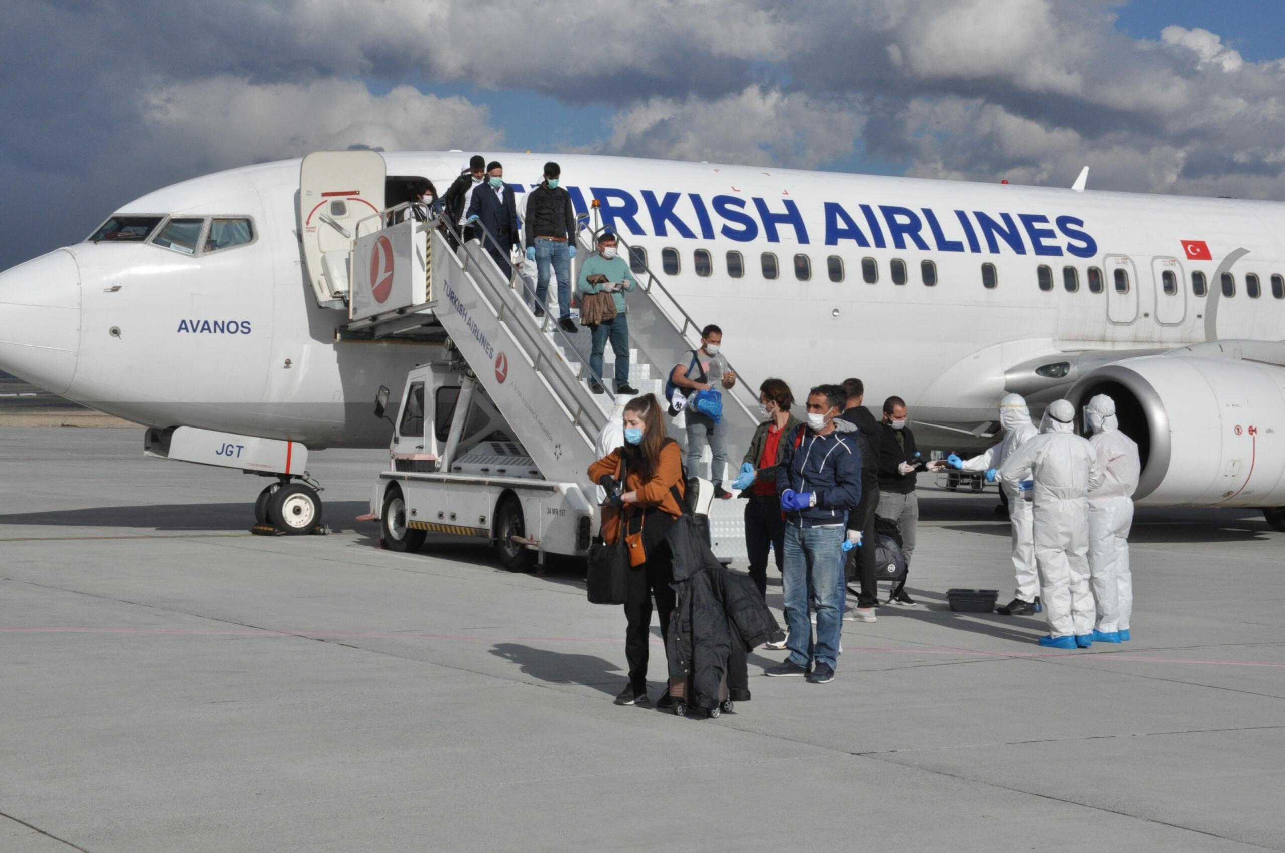 Yurt dışından Kars'a getirilen 104 Türk, karantinaya alındı