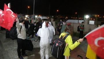 KKTC'den getirilen 189 Türk vatandaşı yurda yerleştirildi