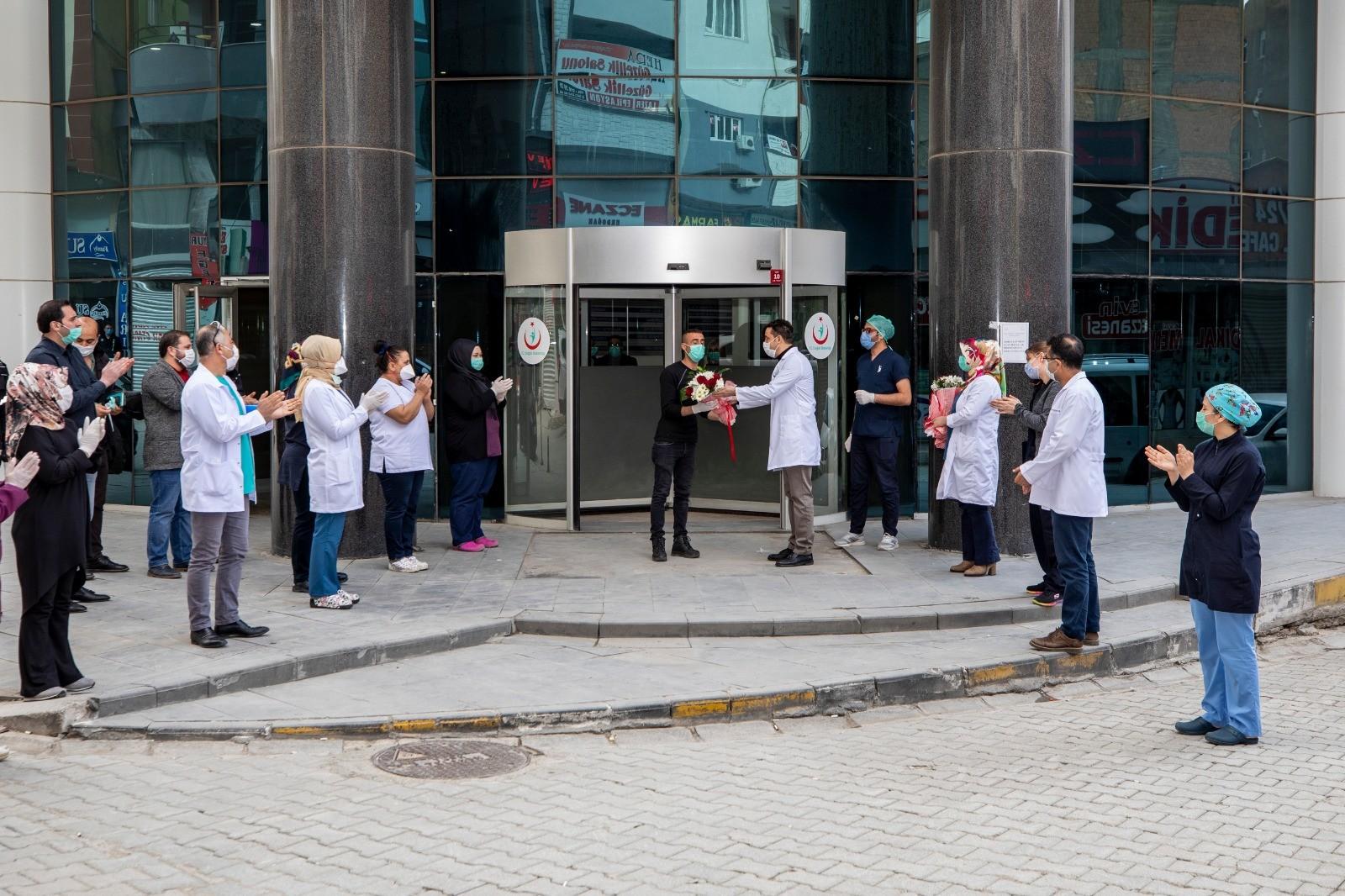 Van'da koronayı yenen 61 kişi taburcu oldu