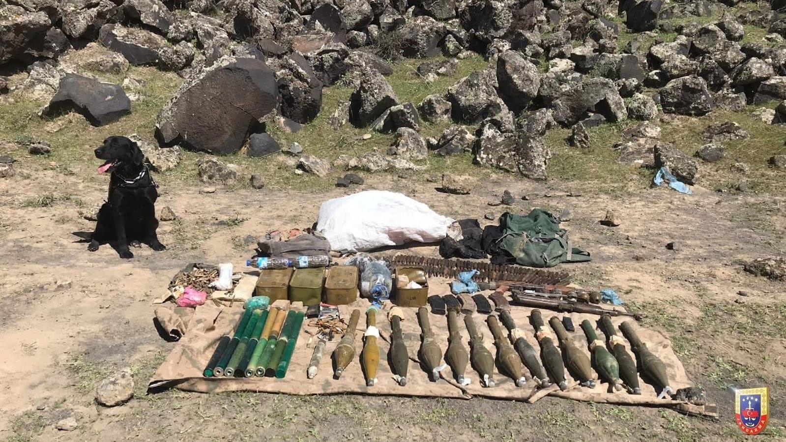 Iğdır kırsalında PKK'ya ait silah ve mühimmat ele geçirildi