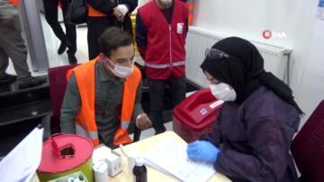 Ağrı da Kızılay a kan bağış kampanyası devam ediyor
