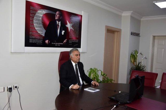 Iğdır Milli Eğitim Müdürü Gönen, dijital ortamda öğrenci velileri ile toplantı yaptı