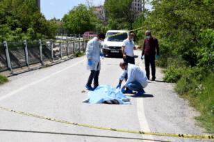 Yolda koşarken yere yığılan yaşlı vatandaş, hayatını kaybetti