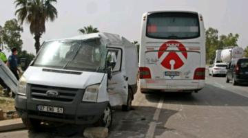 Iğdır firmasına ait otobüs Antalya'da kaza yaptı: 1 Ölü