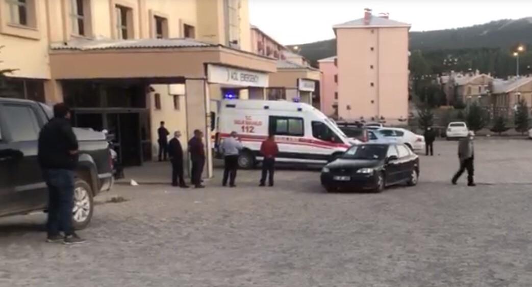 Sarıkamış'ta kavgada yaralanan hastaneye getirildi