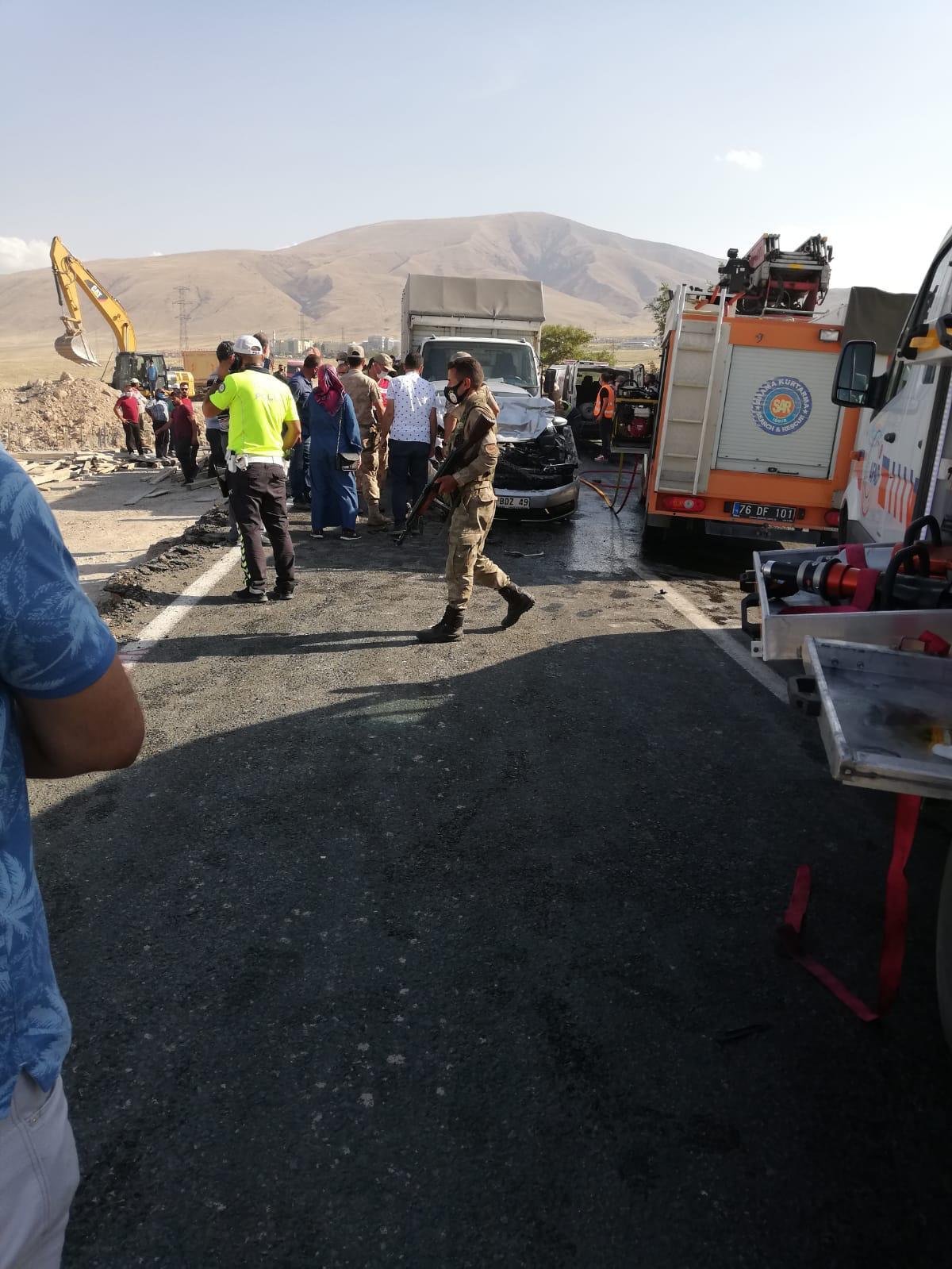 Iğdır'da zincirleme trafik kazası:3 yaralı