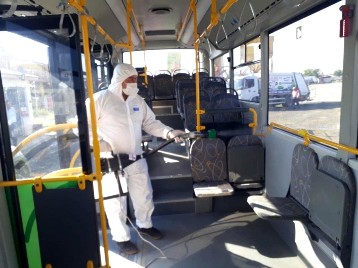 Iğdır da halk otobüsleri dezenfekte edildi