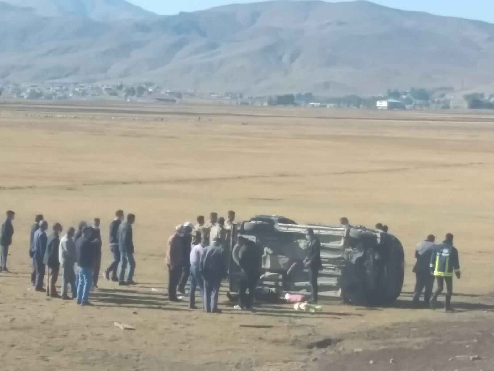 Van'da minibüs şarampole yuvarlandı: 5 yaralı