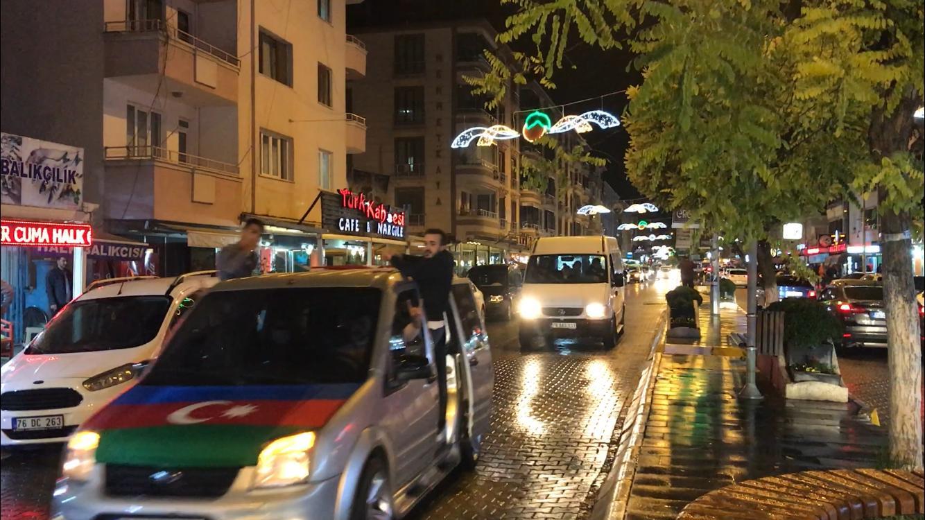 Azerbaycan'a destek için Iğdır'da konvoy oluşturuldu