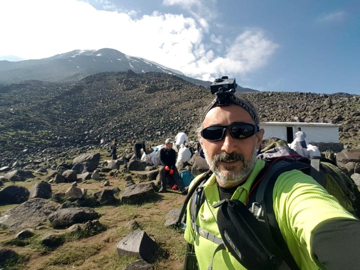 Ağrı Dağı nın zirvesinde 3 gün 2 gece kalan Dağcı, Türkiye nin 81 farklı zirvesine tırmanacak