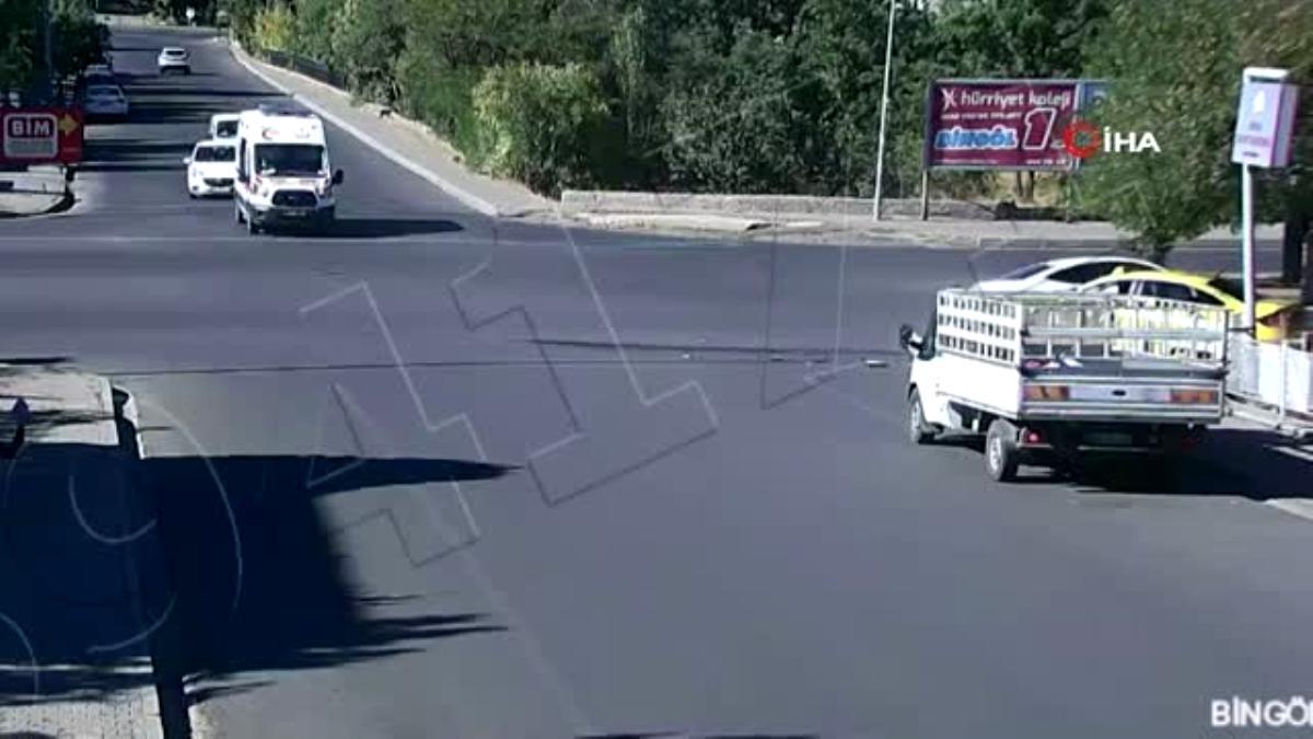 Dikkat sürücüler kazaya neden oldu…Kaza anları kamerada