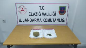 Elazığ'da 2 şüpheli yarım kilo toz esrarla yakalandı