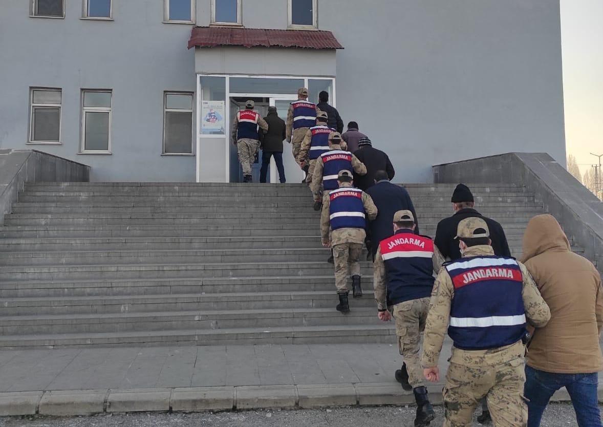 Terörist cenazesinde propaganda yapan 7 kişi gözaltına alındı