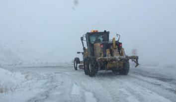Iğdır'da kar ve tipiden dolayı yolda mahsur kalan köylüler kurtarıldı