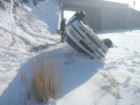 Kontrolden çıkan otomobil takla attı: 3 yaralı