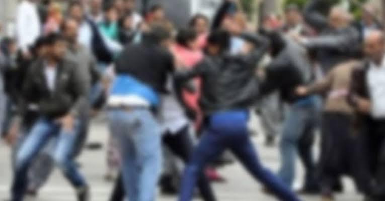 Husumetli ailelerin barışma toplantısında kavga: 3 yaralı