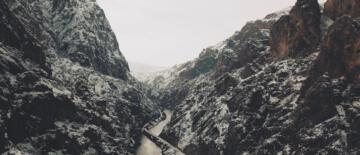 Erzincan'daki masalsı kanyonlar turizmcileri cezbediyor