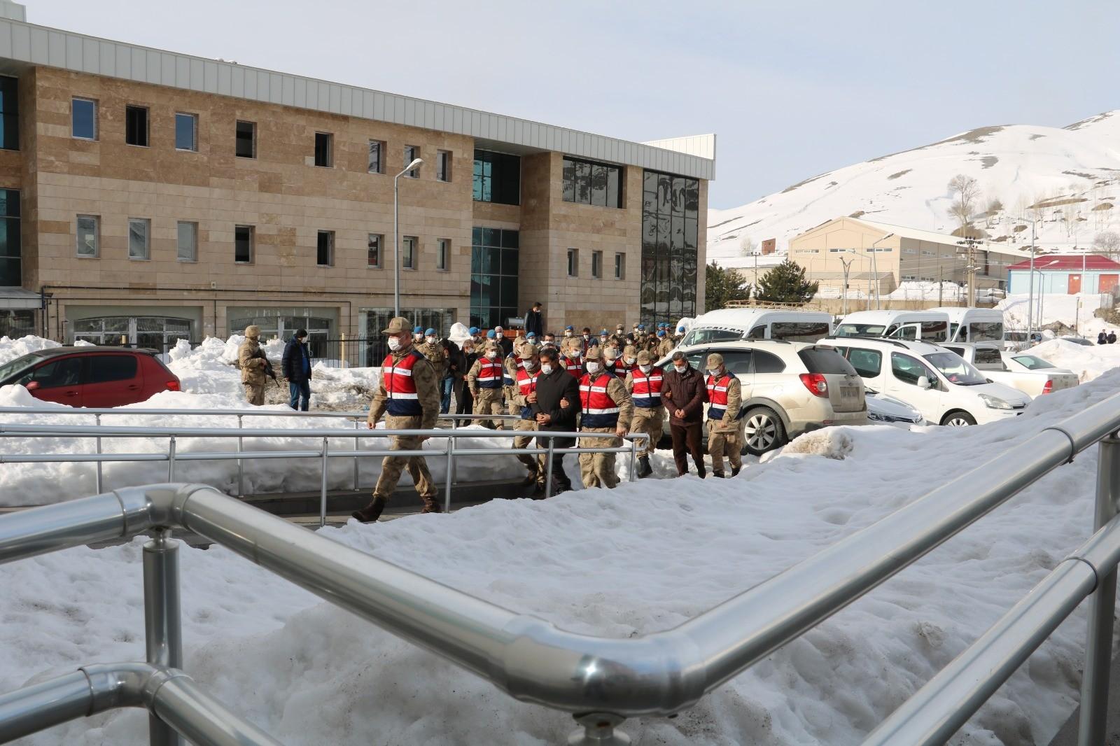 Bitlis'te terör operasyonu: 5 tutuklama