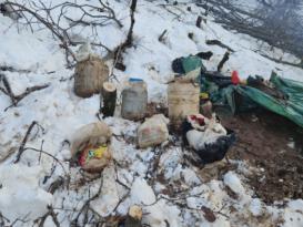 Bitlis'te terör örgütüne ait gıda ve yaşam malzemesi ele geçirildi