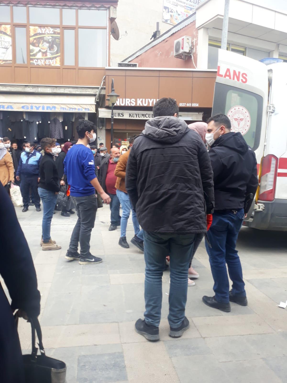 Iğdır'da cadde ortasında bıçaklı kavga