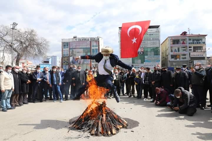 Baharın müjdecisi Nevruz Bayramı Iğdır'da coşkuyla kutlandı
