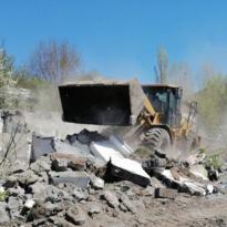 Kars'ta metruk binalar bir bir yıkılıyor