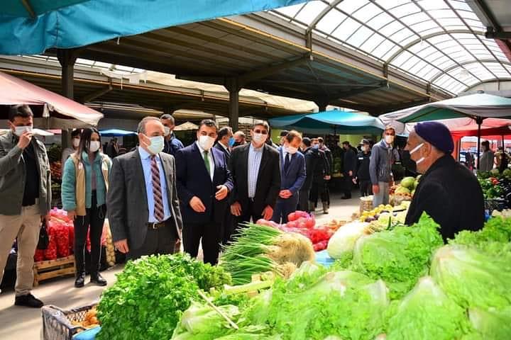Ardahan'da pazarcının elinde kalan ürünler ihtiyaç sahiplerine dağıtılacak