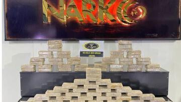 Ağrı'da bir kargo aracında 40 kilo 304 gram uyuşturucu ele geçirildi