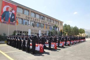 Erzurum'da 26.dönem polis adayları mezun oldu