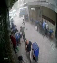 Iğdır'ı felç eden fırtınanın güvenlik kamerası görüntüleri korkuttu