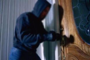 Ağrı'da televizyon hırsızlığı: 2 tutuklama