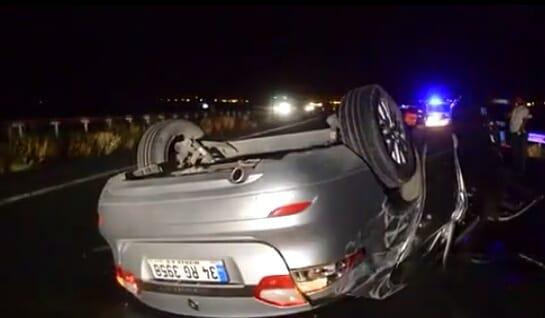 Ağrı'da otomobil ile traktör çarpıştı: 2 yaralı