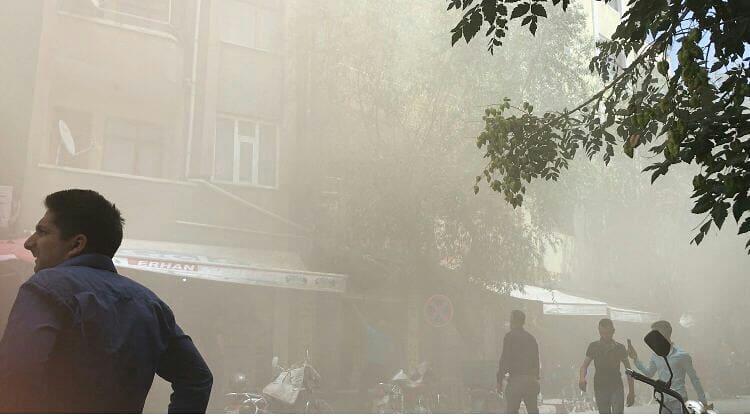 Iğdır'da lokanta bacasından çıkan yangın paniğe neden oldu