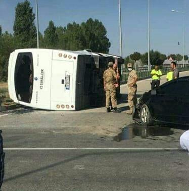 Iğdır'da infaz koruma memurlarını taşıyan servis aracı kaza yaptı